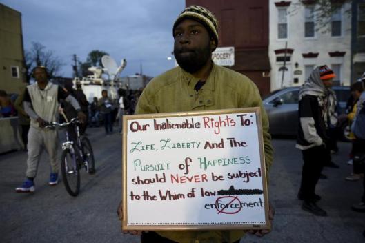 2015-04-24t022326z249929865gf10000070803rtrmadp3usa-police-baltimore